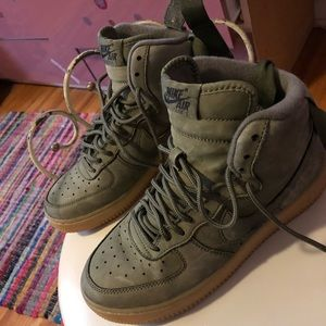Nike green/camo Air Force 1s (hightop)